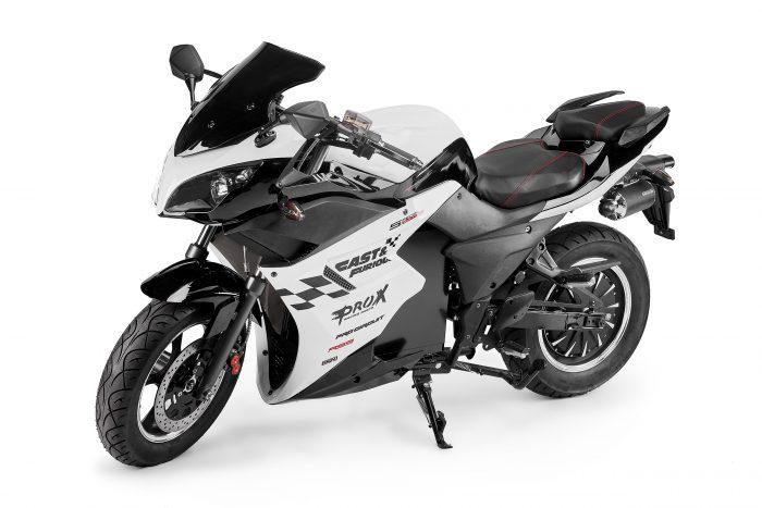 Предметная фотосъемка мотоциклов